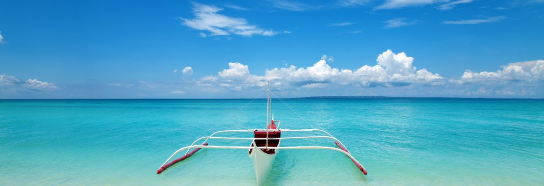 Boot am Traumstrand der Insel Cebu
