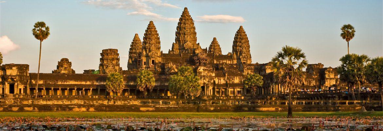 Sonnenaufgang an der Tempelanlage Angkor Wat