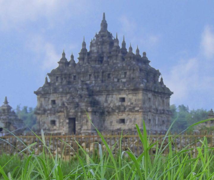 Der Tempelkomplex Candi Plaosan auf Java stammt aus dem 9. Jahrhundert und vereint hinduistische und buddhistische Elemente.