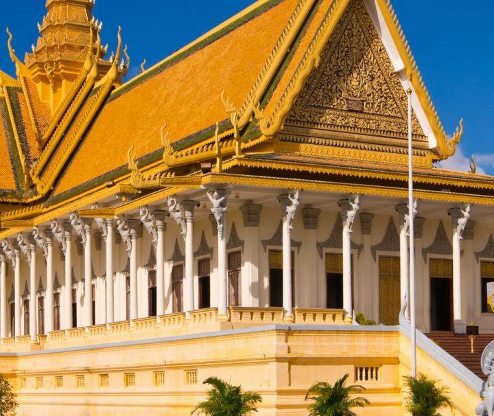 Der 1860 erbaute Königspalast von Phnom Penh ist für die Öffentlichkeit zugänglich und Sitz der kambodschanischen Königsfamilie, weshalb einige Bereiche geschlossen sind.