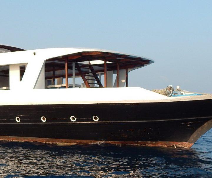 Die MV Aisha verfügt über 2 Decks, 2 Speisebereiche, eine Bar und insgesamt 6 Kabinen.