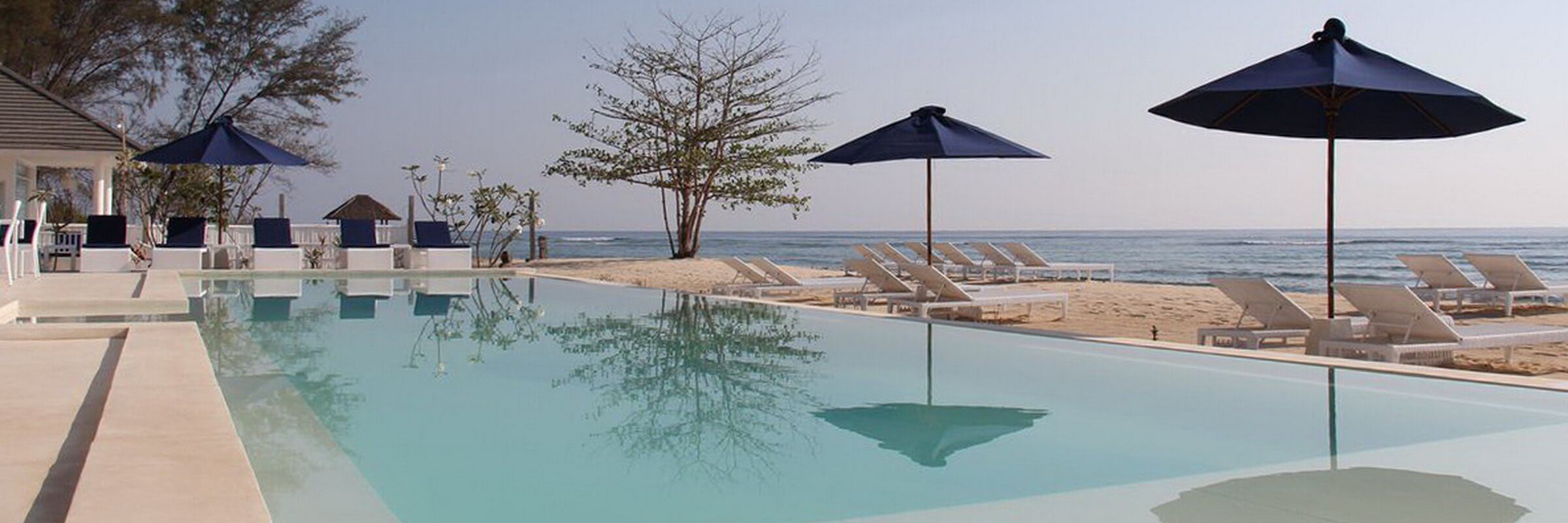 Der herrliche Swimmingpool im Seri Resort lädt zum entspannten Schwimmen und Sonnenbaden ein.