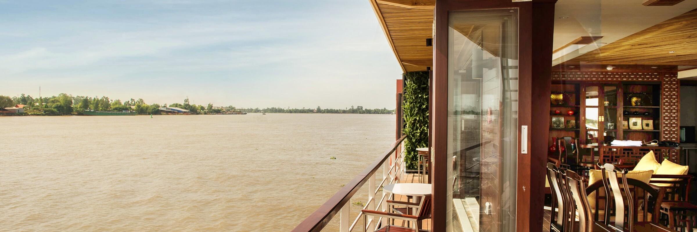 Die Mekong Eyes Explorer bietet ausreichend Platz um die Aussicht bei einer Flusskreuzfahrt zu genießen