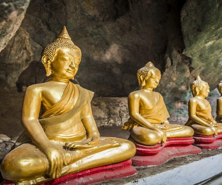 IBesuchen Sie bei Ihrer Laos Reise die Buddha-Statuen in den Pak Ou Höhlen