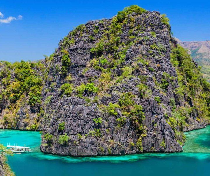 Die Insel Coron ist Teil ist von Palawan, das aus verschiedene Inseln und Inselgruppen besteht.