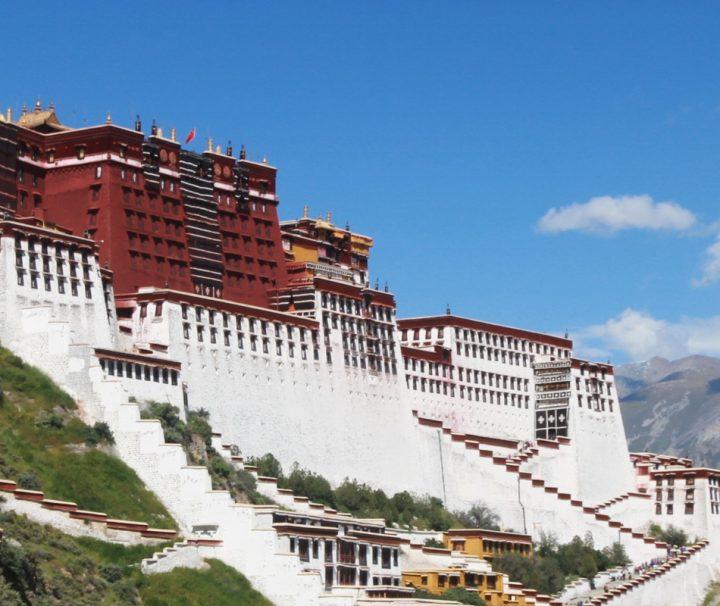 Der Potala Palast ist die ehemalige Residenz des Dalai Lama.