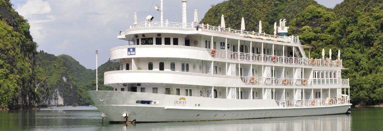 Das Au Co Luxusschiff bietet 32 komfortable Kabinen mit Balkon mi mindestens 20 qm