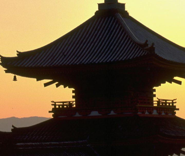 Ein buddhistischer Temple im Stadtteil Minami. Seit 1994 gehoert der Tempel, zusammen mit anderen Einrichtungen, zu den UNESCO-Weltkulturerbe.