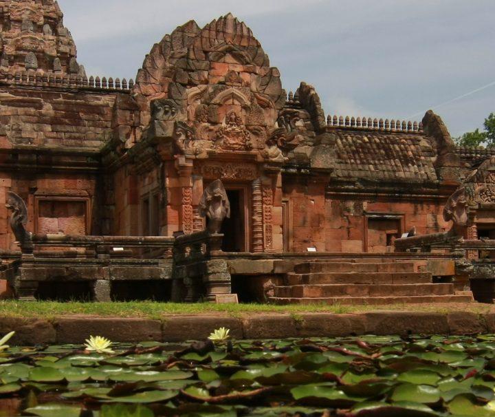 Die Tempelanlage Phanom Rung zählt zu den der beeindruckendsten Baudenkmälern der Khmer in Thailand.