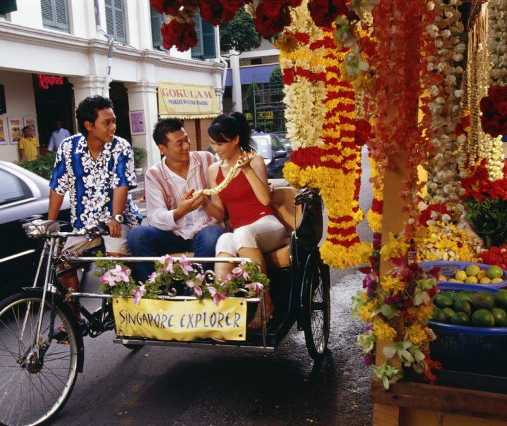 Rikscha-Touren durch das historische Singapur sind bei Reisenden und Einheimischen gleichermaßen beliebt.