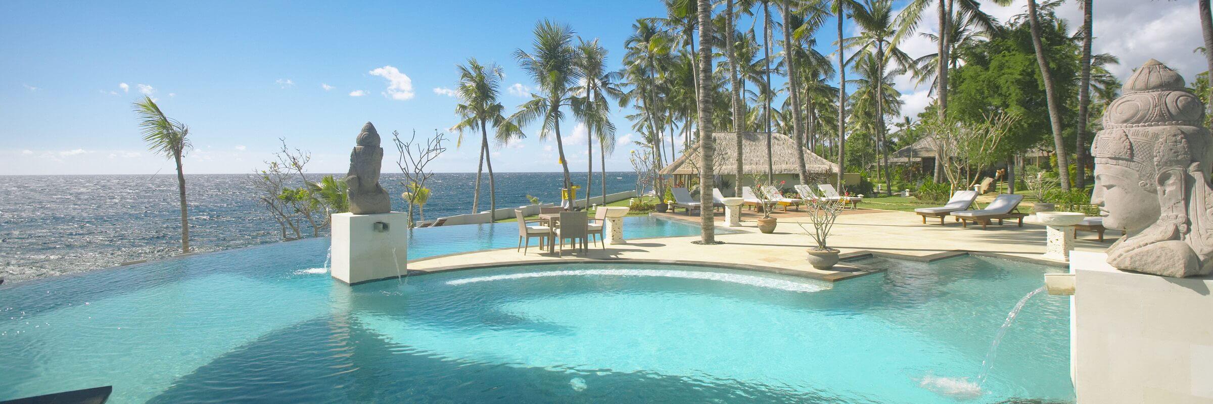 Das Siddhartha Ocean Front Resort & Spa in der kleinen Ortschaft Kubu ist direkt am Meer gelegen und bietet den Luxus eines 5-Sterne-Resorts mit spektakulärer Lage.