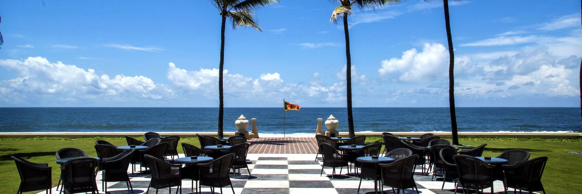 Von der Terrasse im Galle Face Hotel in Colombo haben Sie einen fantastischen Meerblick