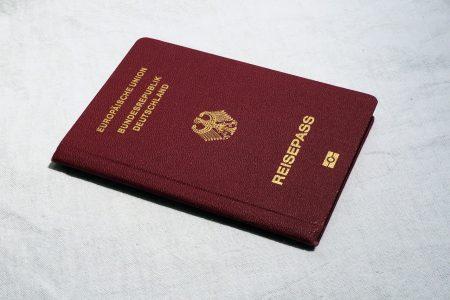 Auf keinen Fall vergessen - Der gültige Reisepass ist eines der wichtigsten Dokumente für Ihren Asien Urlaub.
